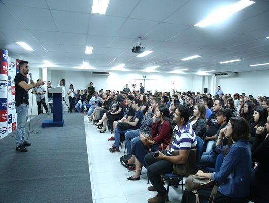 """Deputado Arthur """"Mamãe Falei"""" ministra palestra para alunos da UniFSP"""