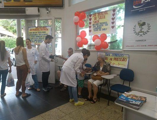 Estudantes da UniFSP participam do Dia Mundial da Saúde