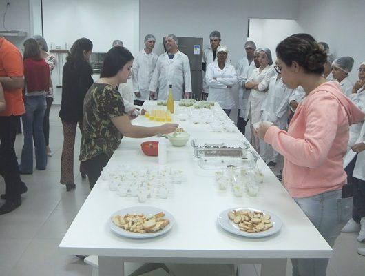 Nutrição e Gastronomia se juntam em visita técnica de Etec à UniFSP