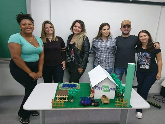 Alunos do curso de Medicina Veterinária realizam exposição de Maquetes.