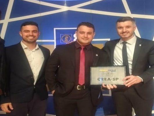 Aluno de Engenharia Civil da UniFSP recebe premiação do Prêmio CREA-SP